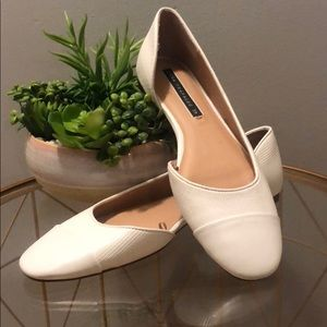 Zara white flat Size Euro 39 or US 9
